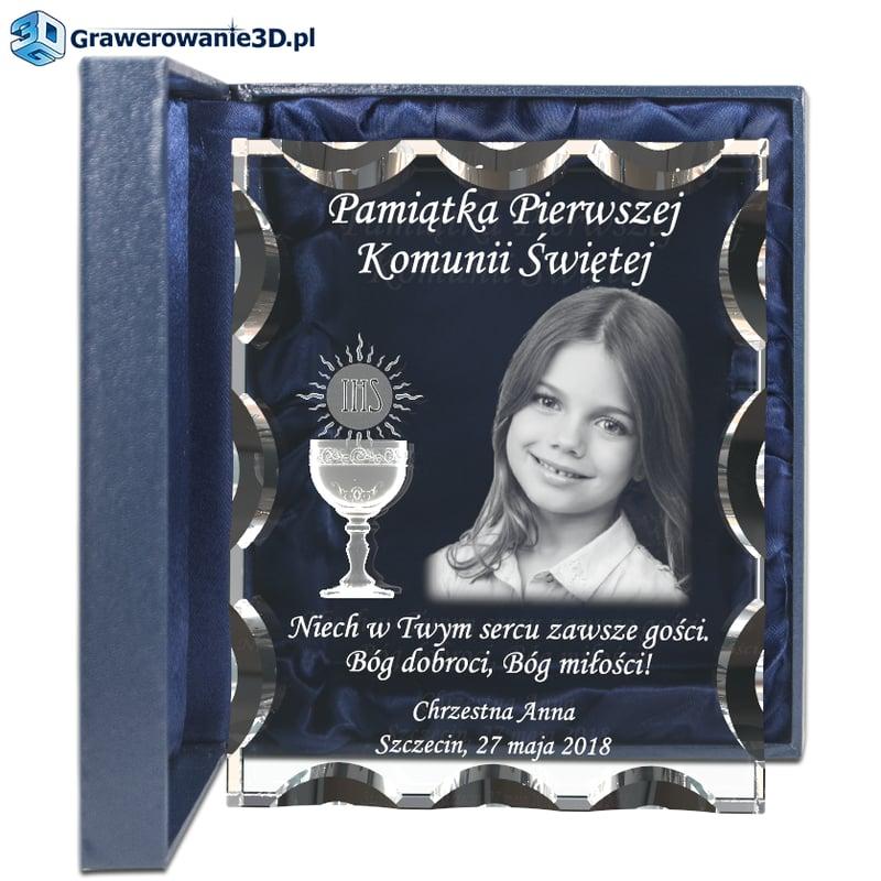 Pamiątka dla dziewczynki od chrzestnej bądź chrzestnego, wyjątkowa pamiątka ze zdjęciem grawerowana