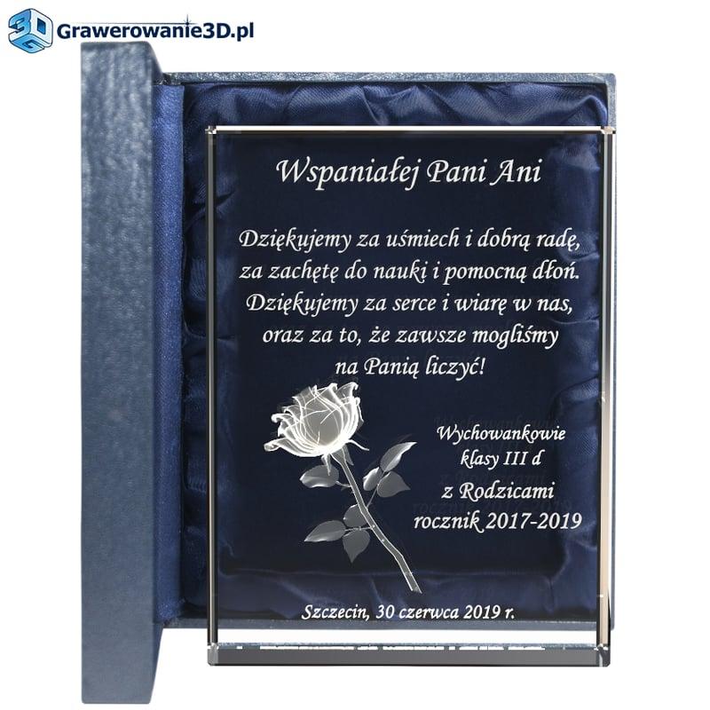 upominek dla wychowawczyni - trójwymiarowa róża wygrawerowana wewnątrz kryształowej statuetki z dowolną treścią podziękowań